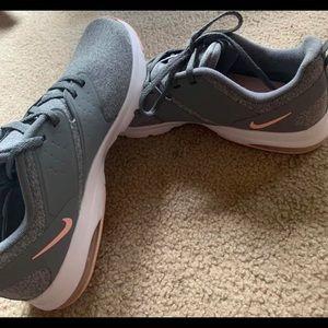 Women's Nike air Bella TR size 9.5